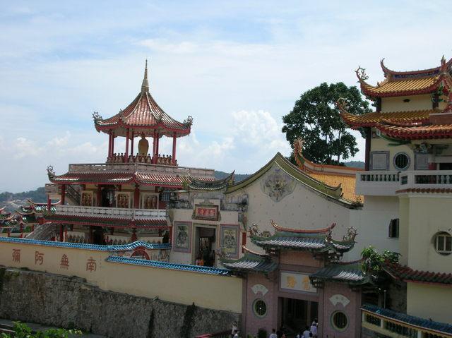 マレーシア最大の仏教寺院、極楽寺