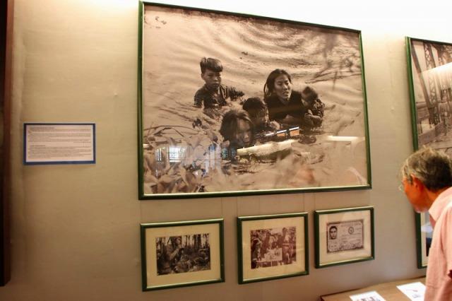 戦争証跡博物館では写真などを主に展示