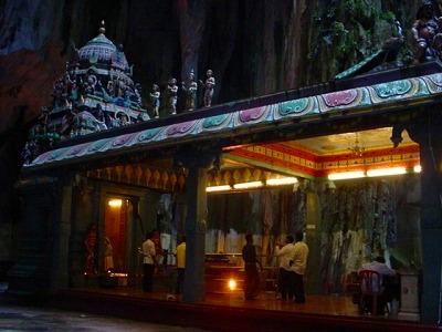 バトゥー洞窟内寺院