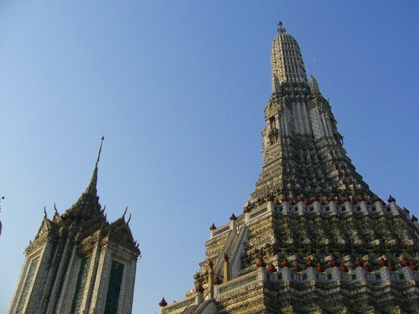 ワットアルン 暁の寺