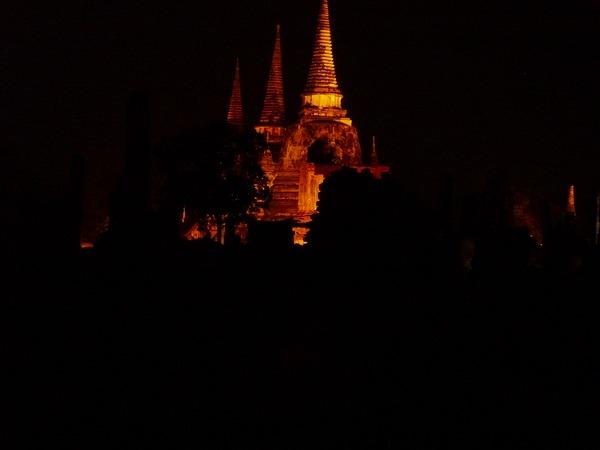 夜の姿も美しい