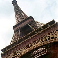 パリのシンボル1エッフェル塔