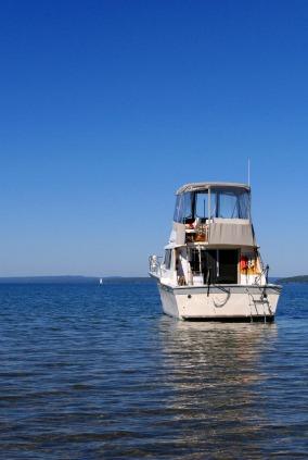透明度の高い海での魚釣り