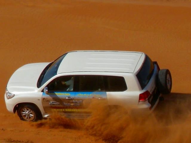 広大な砂漠を4WDでドライブ!!