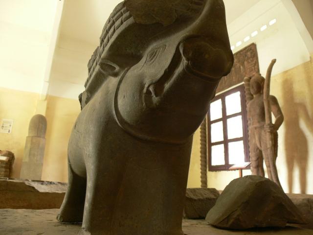 「珍しい発掘物たち」アンコールボレイ博物館