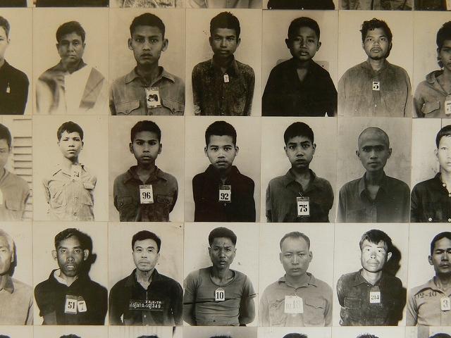 刑務所に収容されていた人々の写真