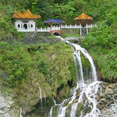 タロコ峡谷の滝