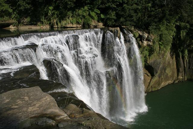 十分瀑布雄大な滝
