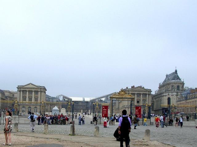 ヴェルサイユ宮殿 正面入り口