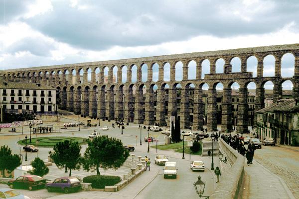 ローマ時代からの水道橋