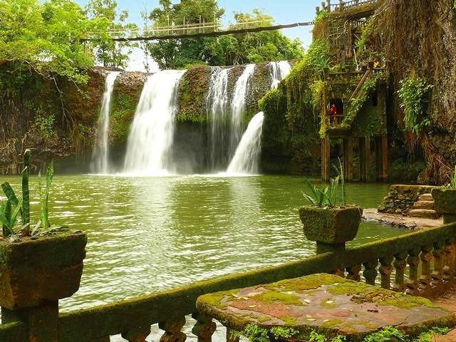 滝と水力発電所