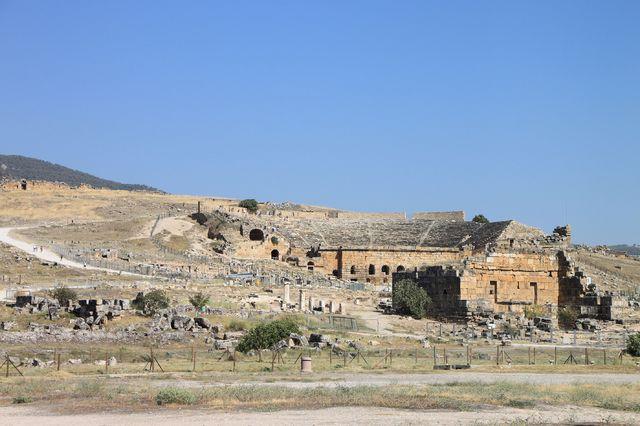 神秘的な遺跡「ヒエラポリス遺跡」