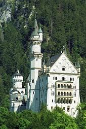 真っ白な古城