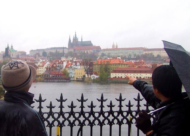 あれがプラハ城です!