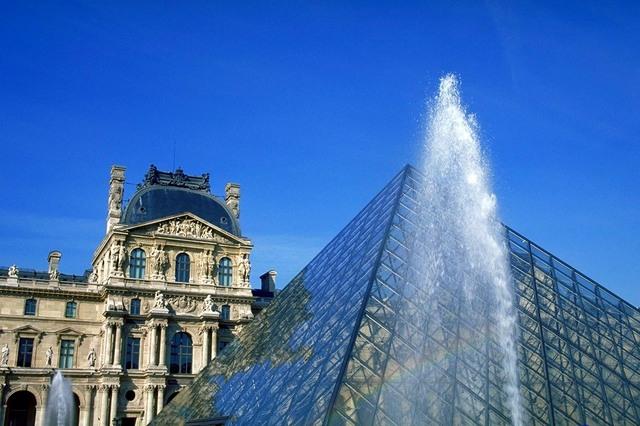 名作の宝庫「ルーブル美術館」