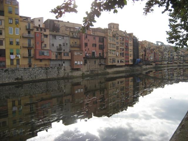 中世の街ジローナの街並み