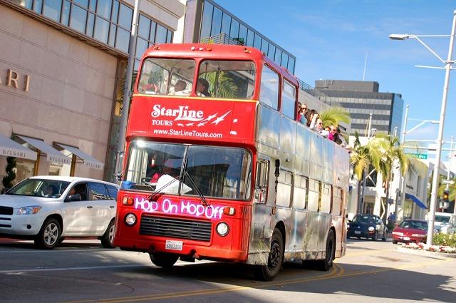 二階建てバスで楽しさ倍増!