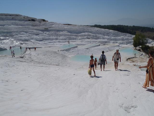 純白の石灰岩の世界