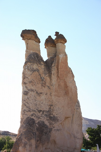 カッパドキアの奇岩「妖精の煙突」
