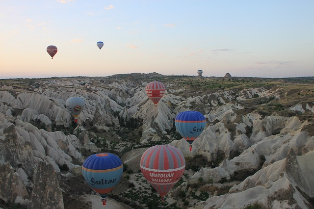 シーズンによりこんなにたくさんの気球が。