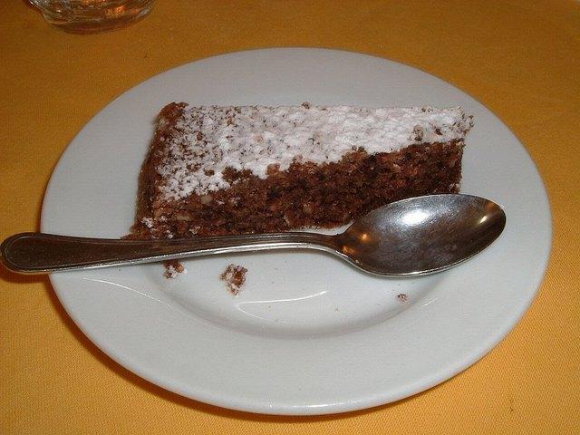 昼食一例(タルト・カプレーゼ)