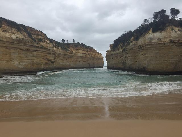ビーチと奇石のコラボ、ロックアードゴージ