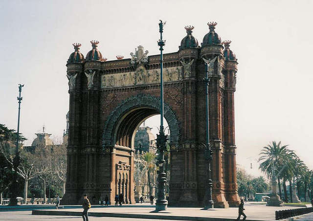 1888年に建設された、歴史あるバルセロナの凱旋門。