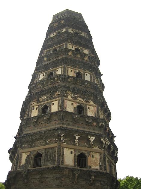 東洋の「ピサの斜塔」がある事で有名な「虎丘」