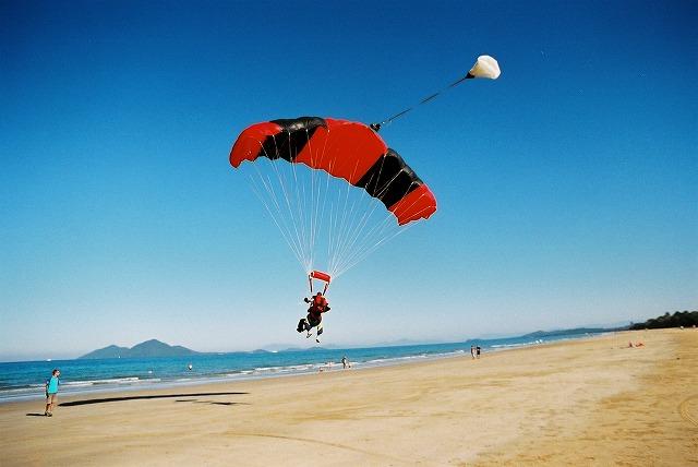 パラシュートが開いてからは、のんびり空を楽しんで
