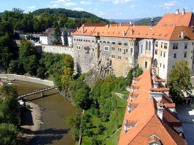 中世を思わせる可愛らしい街並み