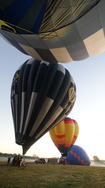 近くで見る気球は大きい