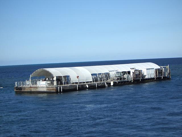 ポンツーン(浮き桟橋)