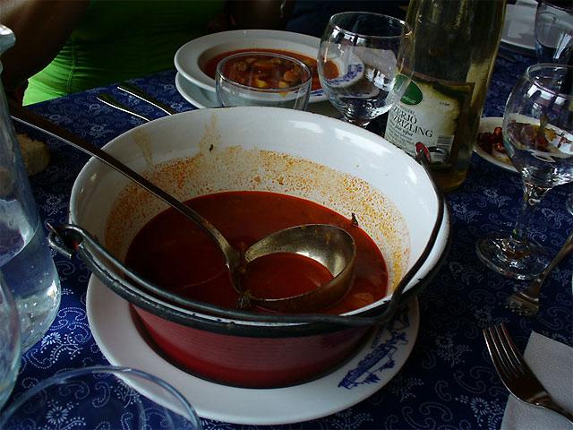 伝統的なハンガリー料理(一例)