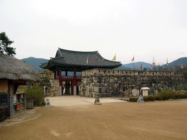 楽安邑城民俗村(ナッアンオッソンミンソッチョン)