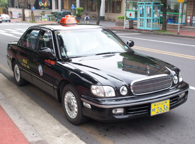 定員3名(タクシー)