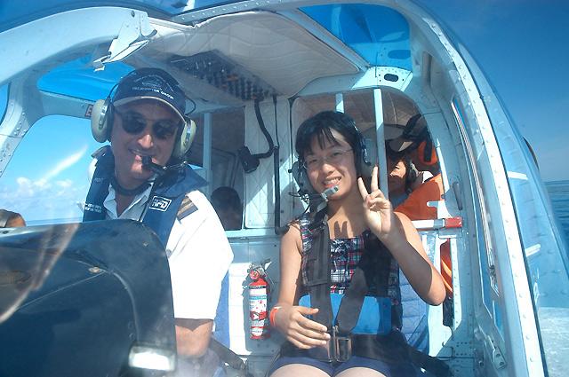 パイロットと一緒に記念撮影