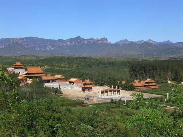 第五代・雍正帝「泰陵」全景