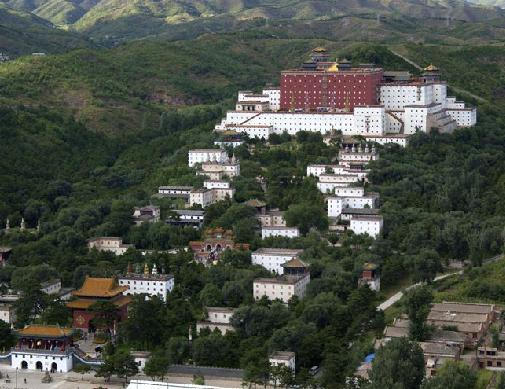 世界遺産・チベット仏教寺院「外八廟」