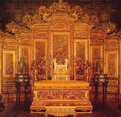 世界遺産・故宮の太和殿にある皇帝の玉座