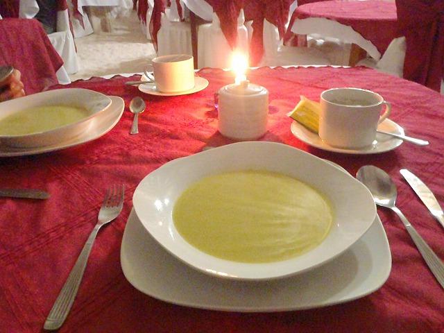 この日の夕食はスープからでした。