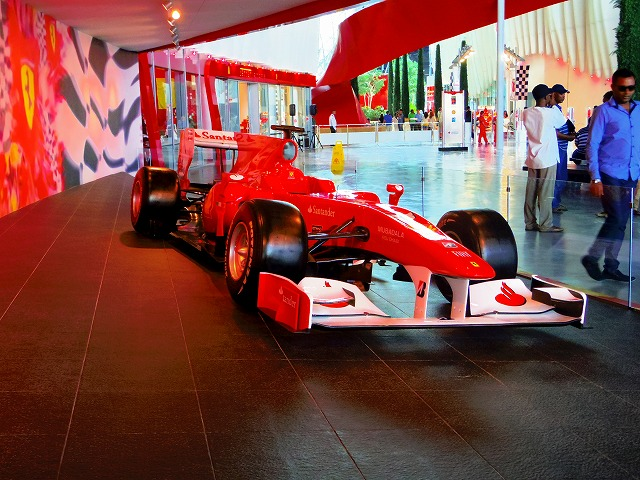 車、スポーツカー好きにはたまらないフェラーリワールド