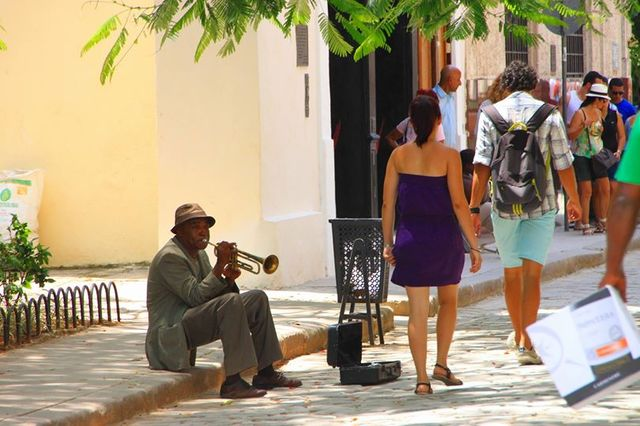 ハバナ街角