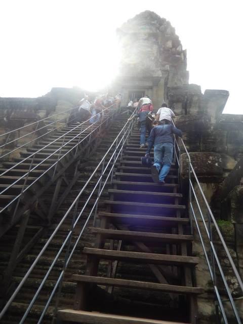 アンコールワット 第三回廊への階段