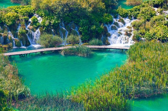 ユネスコ世界遺産に登録されたプリトヴィッツェ湖群国立公園