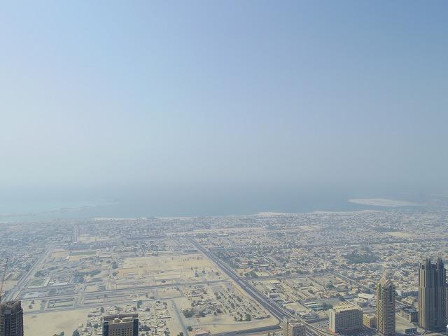 上空からドバイの風景を満喫