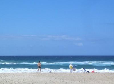 綺麗な海でサーフィン!!