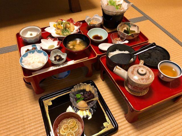 高野山「成福院(じょうふくいん)」精進料理一例
