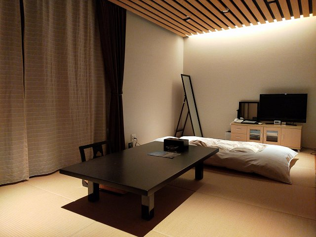 広くて快適な和室。WiFiも無料で使えます。
