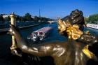 日本語オーディオガイド付き 出発時間が選べる!!パリ市内観光+セーヌ川クルーズ+エッフェル塔2階展望台 半日ツアー