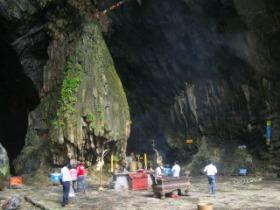 ベトナム仏教の聖域 香寺観光